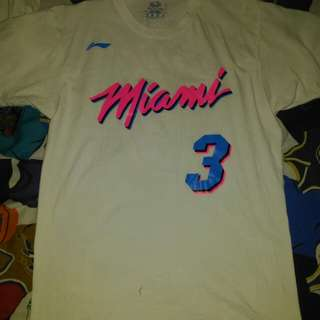 wade customize shirt