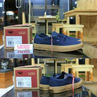VANS OUTHENTIC DARK BLUE GUM