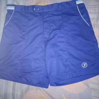 Celana pendek jersey tebal