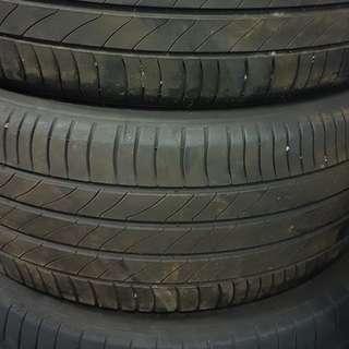 225/55/17 Michelin
