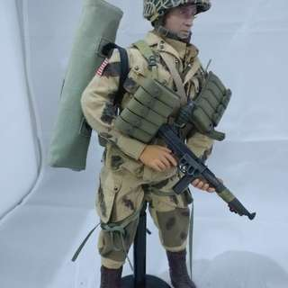 Dragon 12inch US WWII Paratrooper