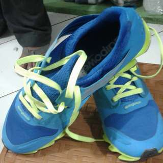 Sepatu (freeongkir jabodetabek)