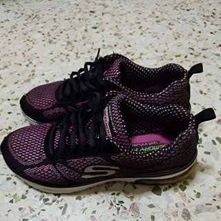 Fast deal $40 Perloved Skechers shoes