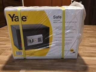 Yale Digital Safe