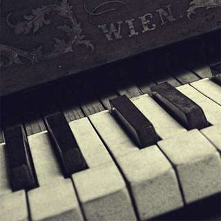PIANO LESSONS FOR YOUNG CHILDREN TO SENIOR ADULTS