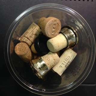 🚚 💙收藏用。開瓶過後的紅酒&威士忌軟木塞。特殊 ( 非 全 新 )