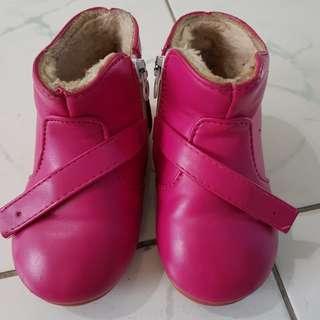 Girl's winter shoes (inner sole = 15.5cm)