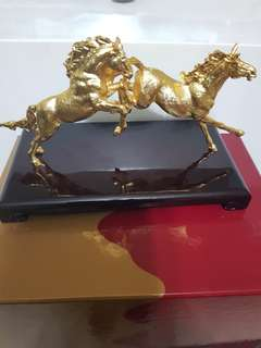 Risis double horse