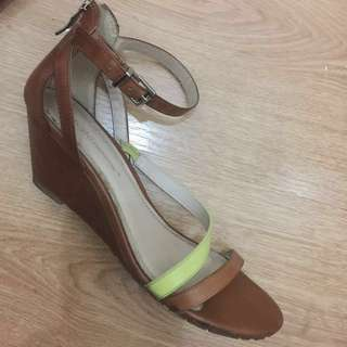 FREE SHIPPING! 1.5inches Wedged summer sandals From BCBG