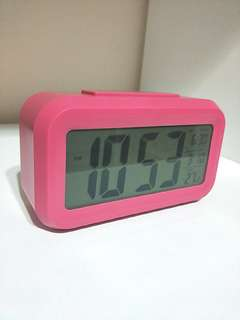 DARK PINK COLOUR TRENDY ALARM CLOCK!! WITH MULTIPLE FUNCTIONS!! LIKE SNOOZE/LIGHT, ALARM,  MONTH, DATE AND TEMPERATURE!! ALL-IN-1!! ONLY 1!! HURRY WHILE STOCK LAST!!  GRAB BEFORE ITS GONE!!
