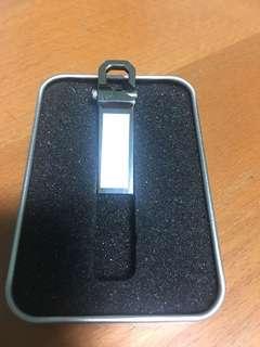8GB thumb drive