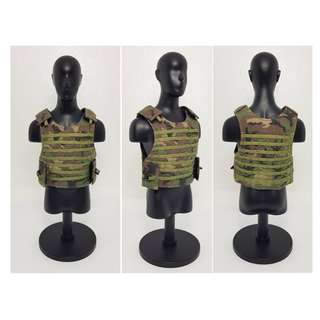 1/ 6 DML US ARMY BODY ARMOUR (PLEASE READ NOTES/ TERMS & CONDITIONS APPLY)