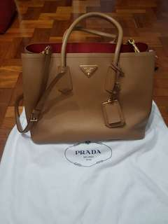 Rarely Used Authentic Prada Ladies Handbag Saffiano Cuir