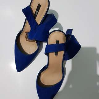 XXI forever 21 heel electric blue
