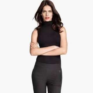 H&M basic sleeveles turtleneck top