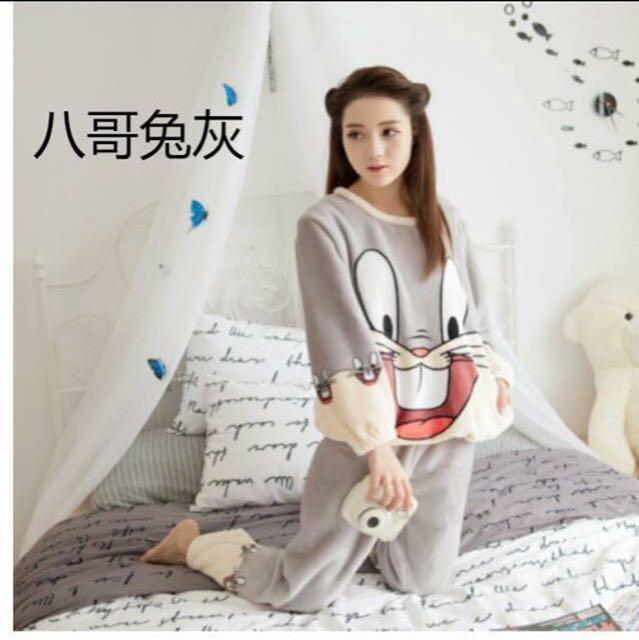 小資女孩👧法蘭絨兔巴哥保暖兩件式居家服/睡衣(全新)