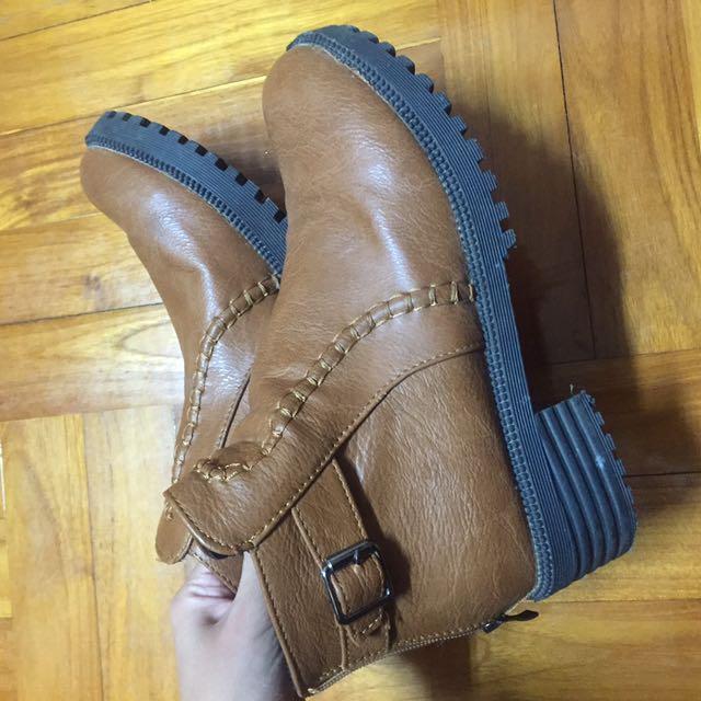 咖啡 靴子