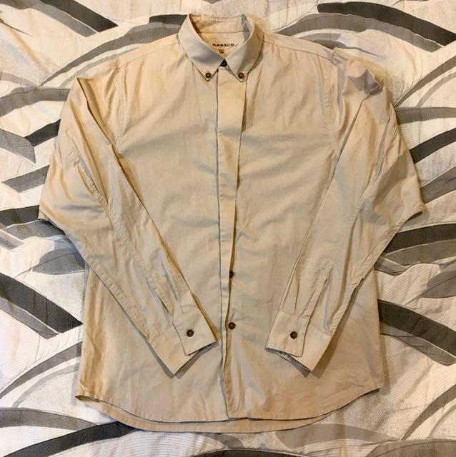 奶茶色 設計襯衫 木扣 不對稱設計 卡其 L