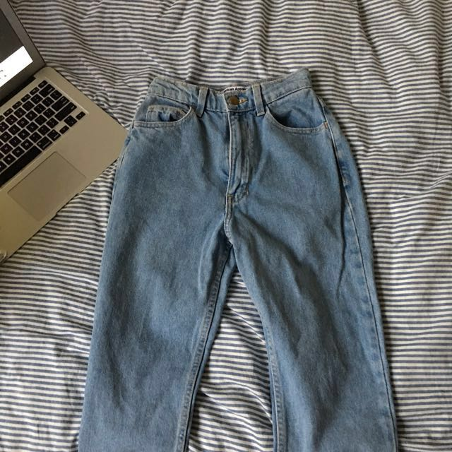 AMERICAN APPAREL LIGHT WASH DENIM MOM JEANS
