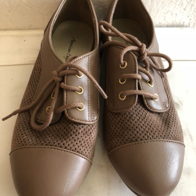 American eagle brown shoe