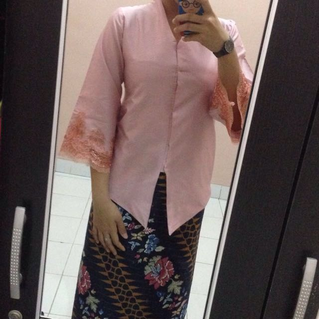 Atasan Kebaya Satin Pink Modern Babies Kids Others On Carousell