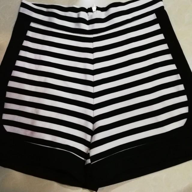 Black and white stripes shorts