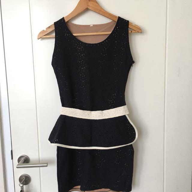 Black Dress with detachable lace