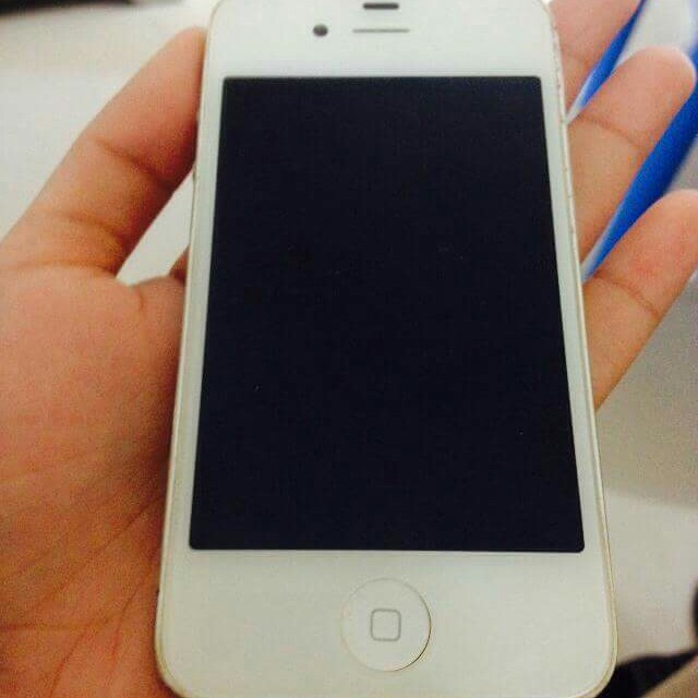 defective iphone 4