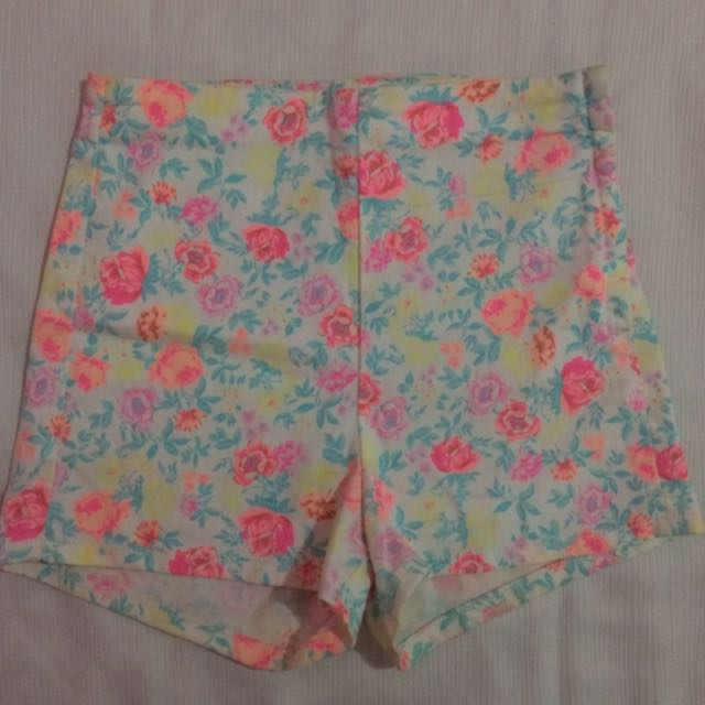DIVIDED BY H&M floral shorts