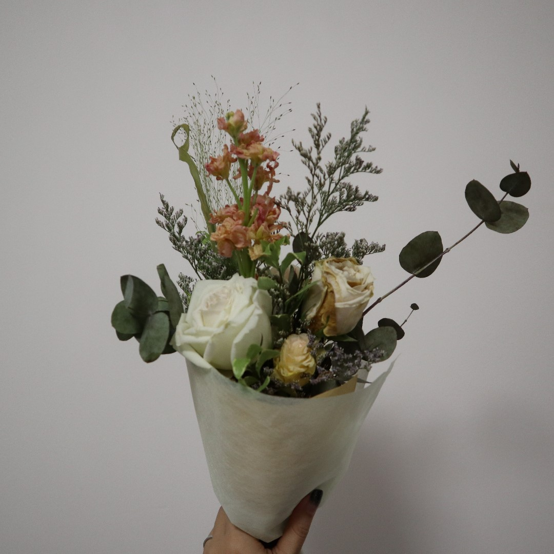 Dry flowers bouquet gardening on carousell photo photo photo photo izmirmasajfo Images
