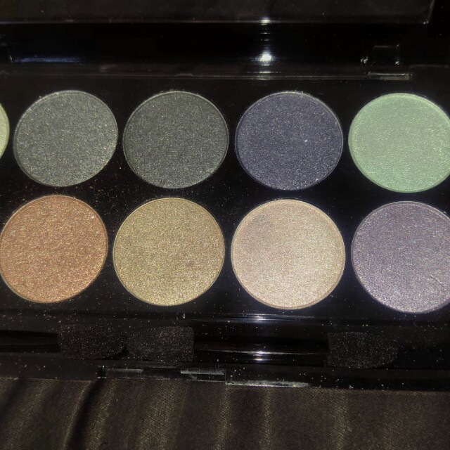 Eyeshadow Palette by W7- 10 out of 10