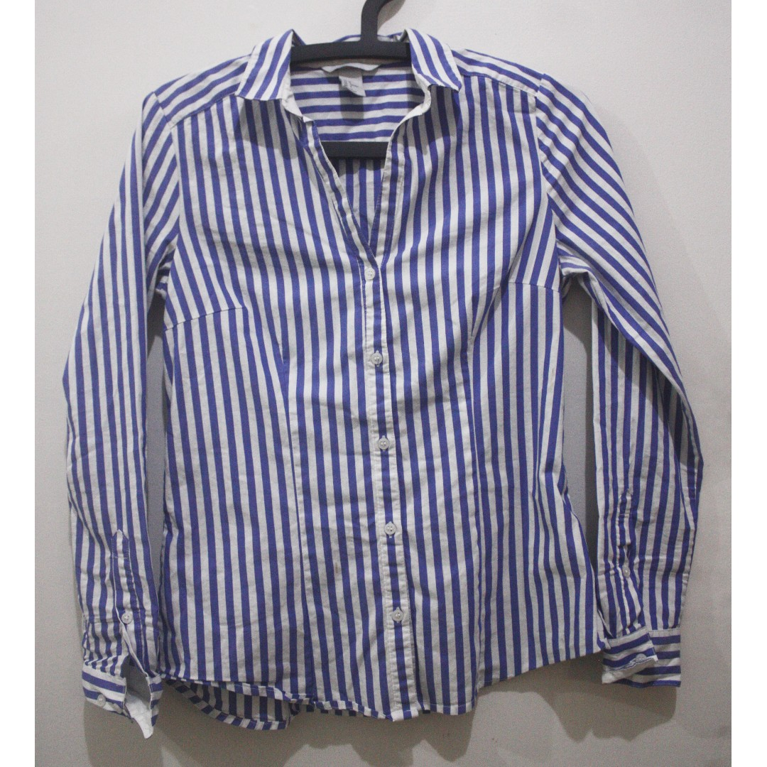 5738f8a3a H&M Blue and White Long Sleeve Polo Top, Women's Fashion, Clothes, Tops on  Carousell