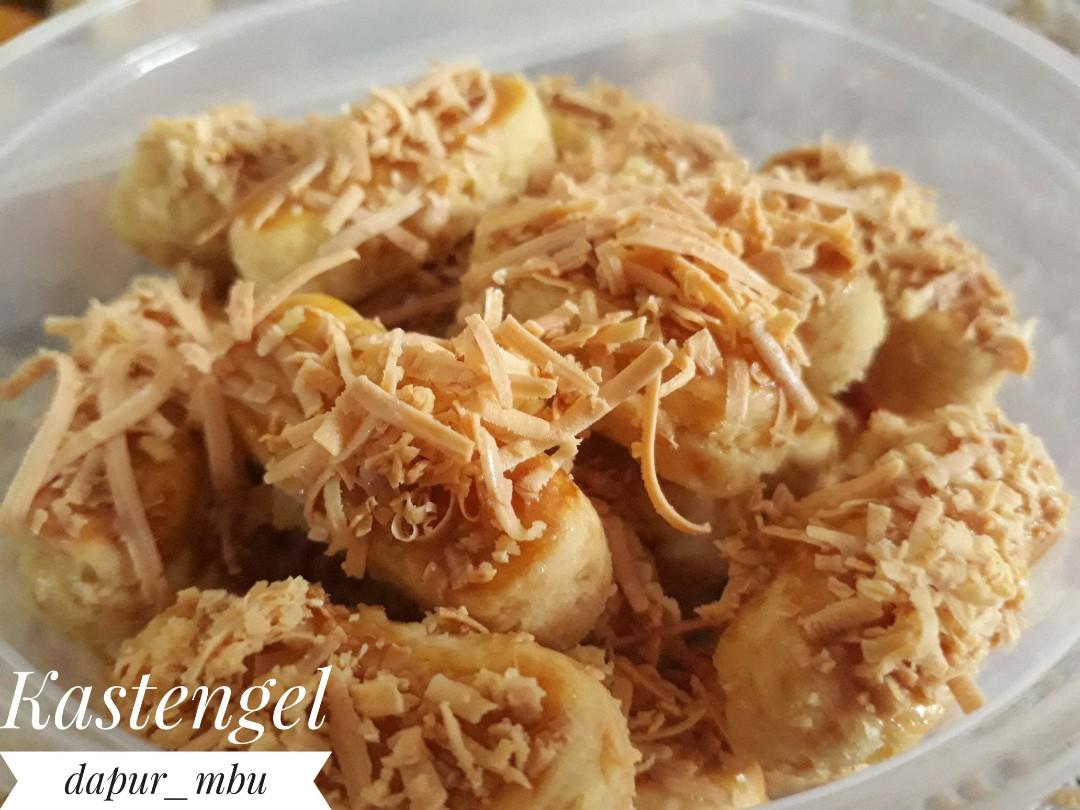 Kastengel Food Drinks Baked Goods On Carousell Kastangel Keju Edam