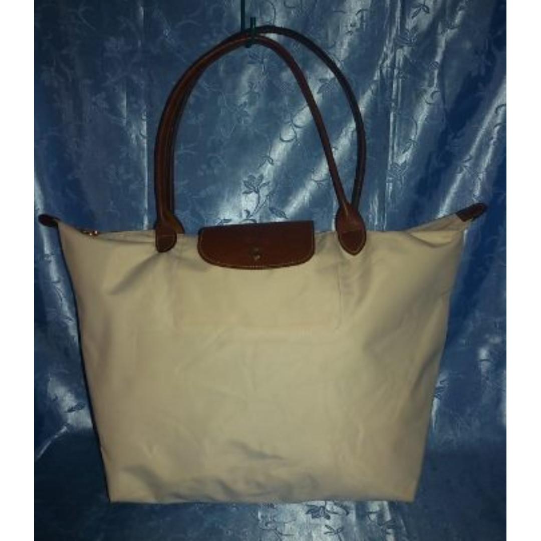 Missy's LONGCHAMP Cream Shoulder Bag