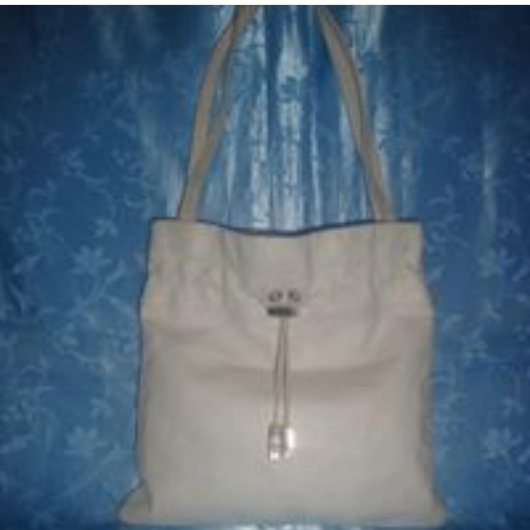 Missy's SALVATORE FERRAGAMO White Leather Shoulder Bag