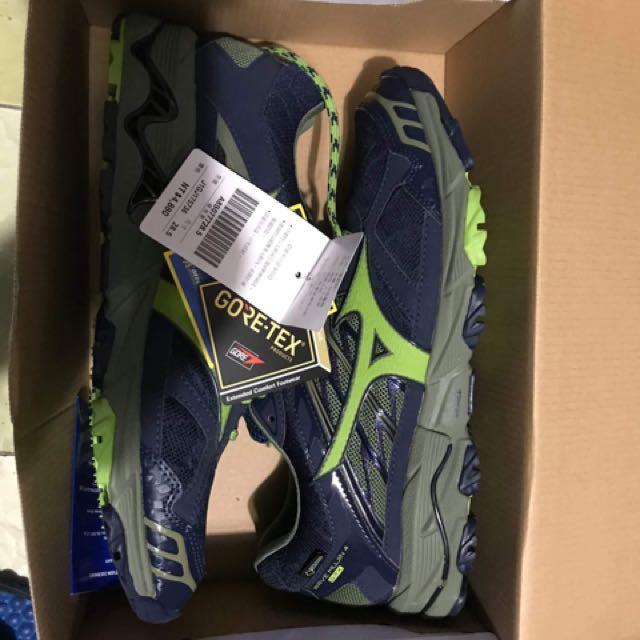 Mizuno Gore-Tex 健走登山鞋 US10.5