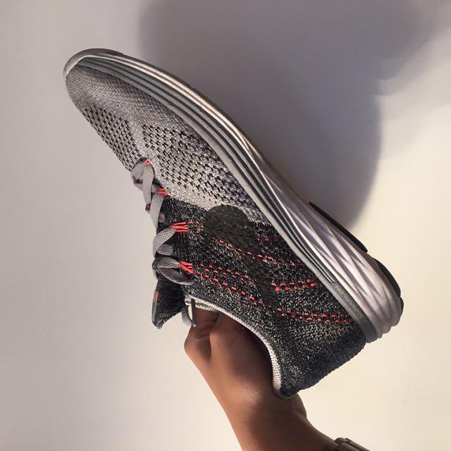 Nike lunar Flyknit 3 灰 白
