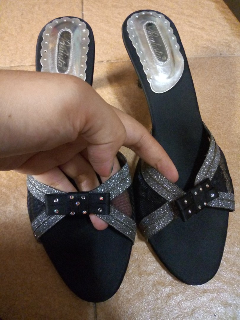 Paulita Preloved Fesyen Wanita Sepatu Di Carousell Nuku Boston Black Suede Heels Hitam 38 Photo