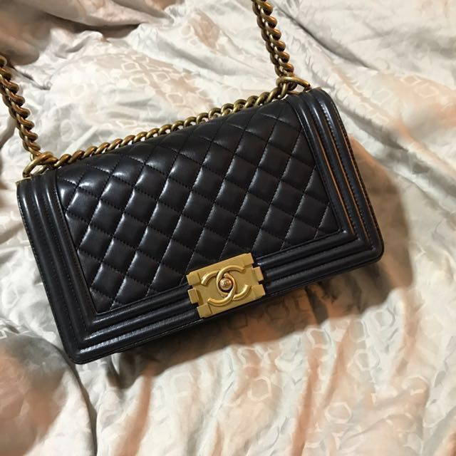 Preloved Chanel Boy with Gold Hardware (old medium) c5d73adc79fd