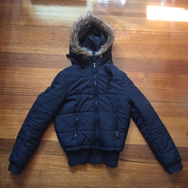 Puffer jacket with fur