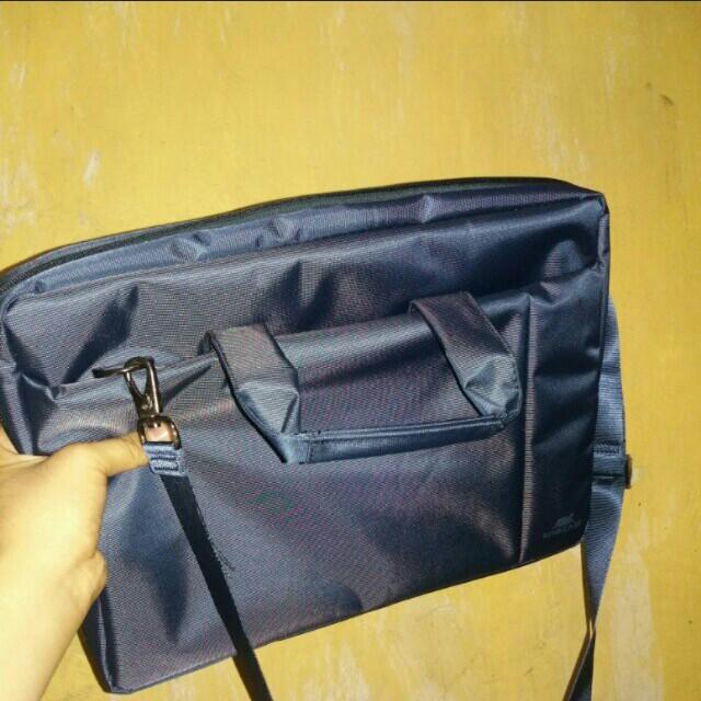 Rivacase 8630 Laptop Bag
