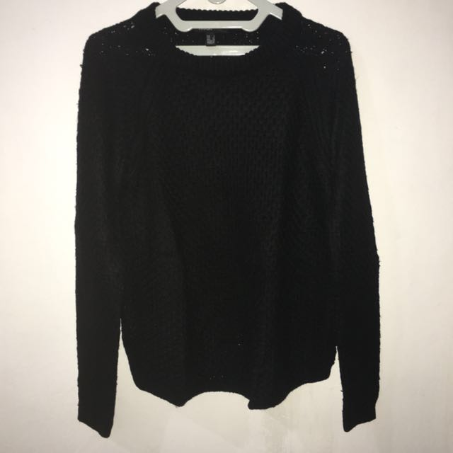 Sweater Rajut Hitam