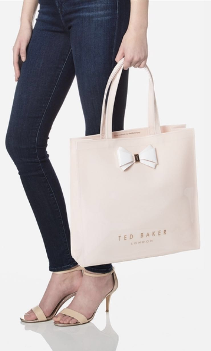 bd7dc93875 Ted Baker - Aracon Plain Bow Large Icon, Luxury, Bags & Wallets on Carousell