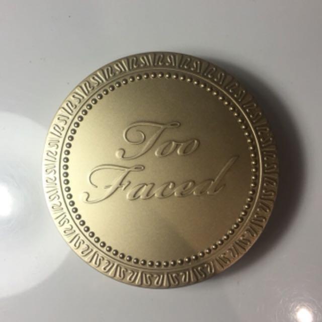 Too Faced - Chocolate Soleil bronzer in Medium/Deep