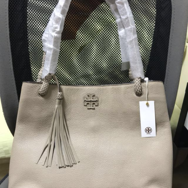 a68b5903bf7 TORY BURCH TAYLOR TOTE, Luxury, Bags & Wallets on Carousell