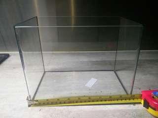 Fish Tank w water filter