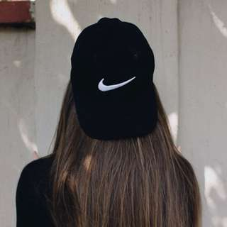 nike black baseball cap