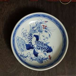 70s blue and white porcelain plate