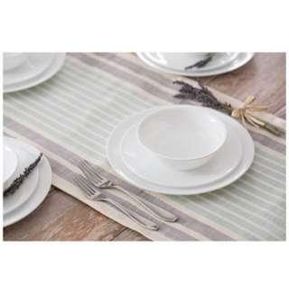 Corelle 20 Piece Livingware Dinnerware Set with Storage,Winter Frost White