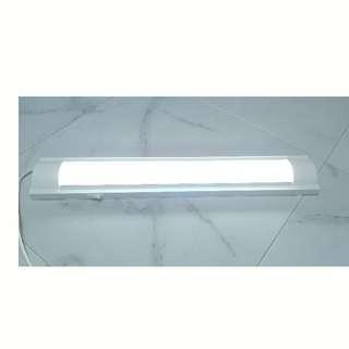"""80% new 24"""" Desk Lamp Light 書枱燈"""